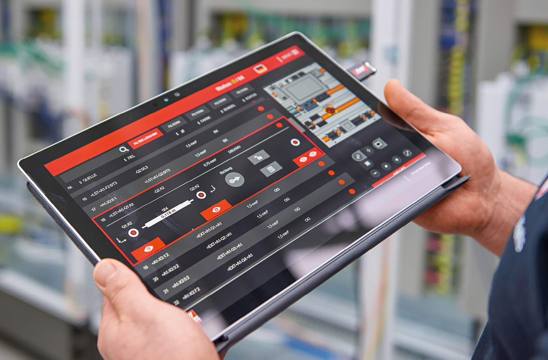 Making it easier to wire components: Staff can access planning data directly at their workstation. They can see all the connections that have to be wired at a glance on their tablet.