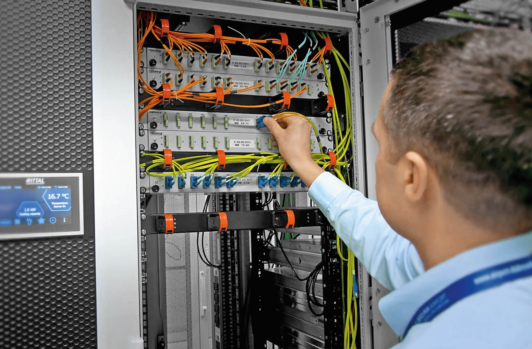 Live wired: Even during a temporary power loss, the system ensures an ongoing IT activity.